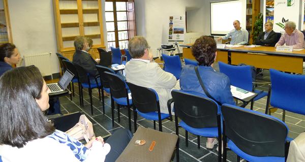 Photo of O potencial de desenvolvemento económico valdeorrés, nun seminario do GDR7