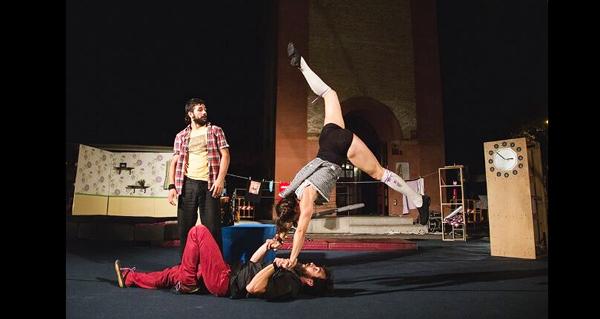 Photo of Espectáculo de acrobacias, equilibrios e humor, no Barco o 17 de novembro