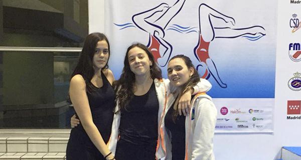 Photo of Tres nadadoras do Sincro Ourense, no campionato de España infantil de figuras