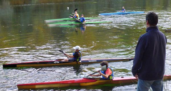 Photo of Clases de piragüismo no Sil para a base do Club Fluvial Barco, en pleno outono