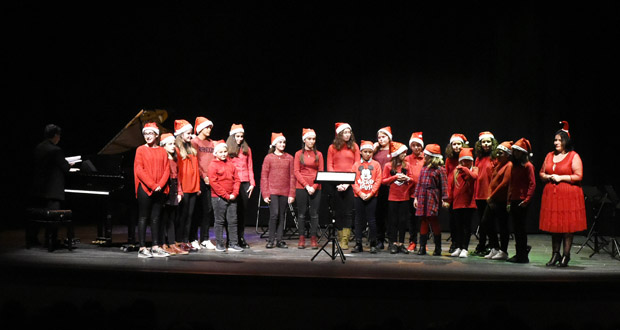 Photo of O concerto de Nadal do Conservatorio e da Escola de Música do Barco enche o Teatro Lauro Olmo