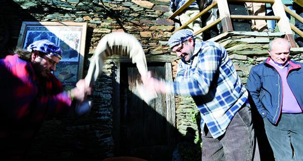 Photo of Froxán recreará a tradición da pisa da castaña seca