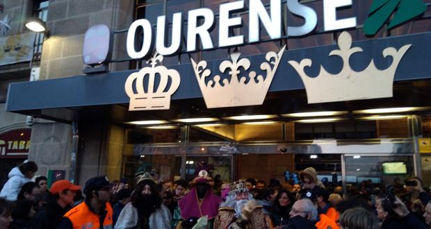 Photo of (Vídeo) O Sistema Solar e a luz acompañaron aos Reis Magos en Ourense