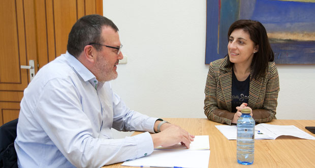 Photo of Xuntanza entre a Conselleira do Medio Rural e o alcalde de Nogueira de Ramuín