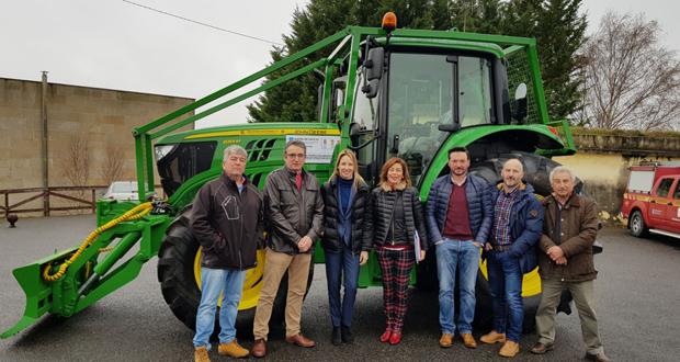 Photo of Sarreaus, Sandiás e Trasmiras (A Limia) mercan un tractor para a prevención de lumes
