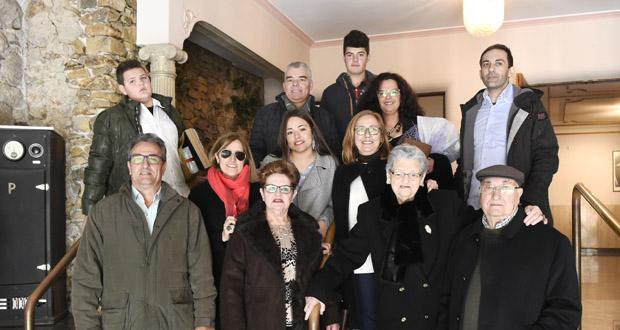 Photo of A Rúa homenaxea a Santos Izquierdo e Ermitas Bolaño