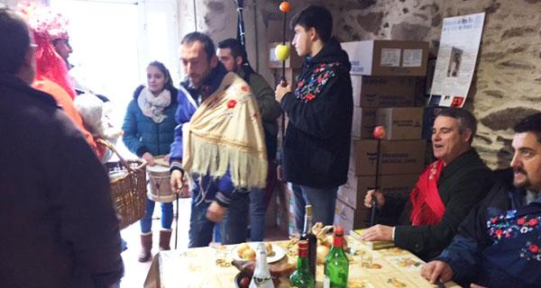 Photo of A comitiva da Festa dos Reis percorre Chaguazoso