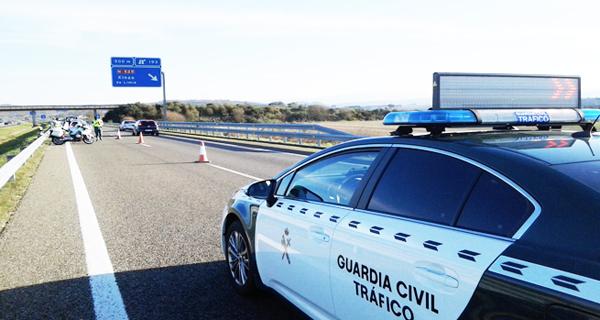 Photo of Axentes de Tráfico da Garda Civil de Ourense deteñen a un menor sobre o que pesaba unha orde de busca e detención