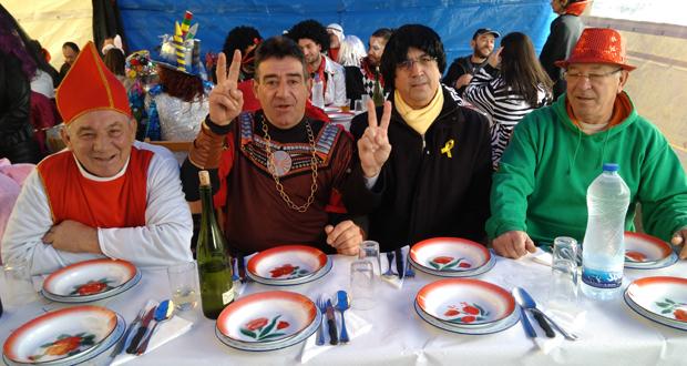 Photo of Puigdemont vai comer o cocido de Entroido a Seixalbo