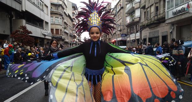 Photo of Ourense corta as rúas para o seu multitudinario desfile cheo de luz, cor e música