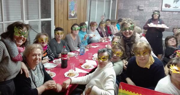 """Photo of As amas de casa do Barco celebran unha cea de Comadres """"moi doce"""""""