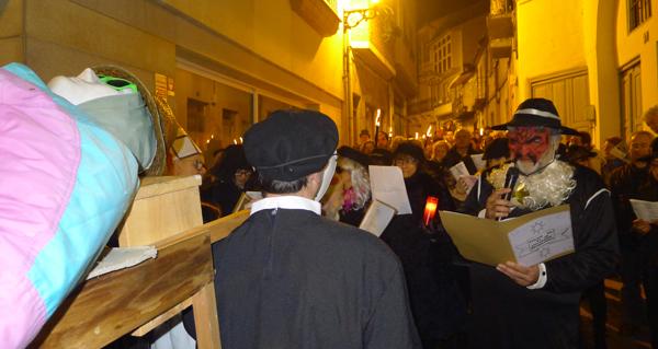 Photo of Choros, candeas e coplas satíricas no enterro da sardiña do Barco