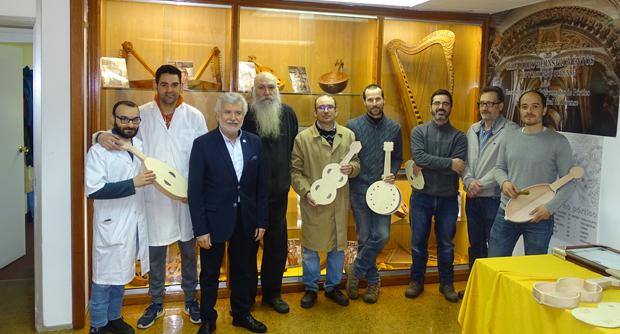 Photo of Os alumnos do Obradoiro de Instrumentos da Deputación reciben os seus diplomas