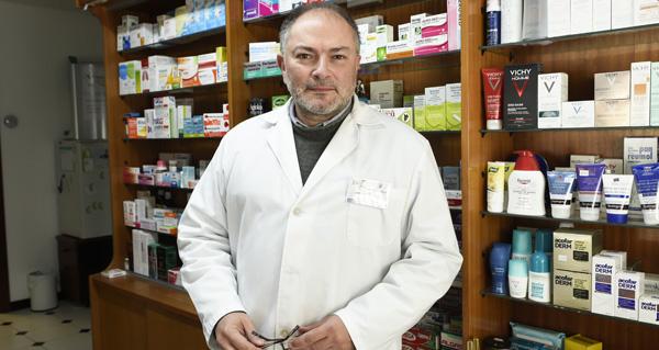 """Photo of """"A farmacia aínda non saíu da crise"""""""