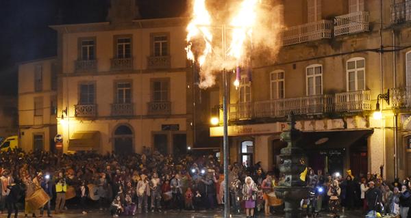 Photo of Queima dos Lardeiros e gran fulionada en Viana do Bolo