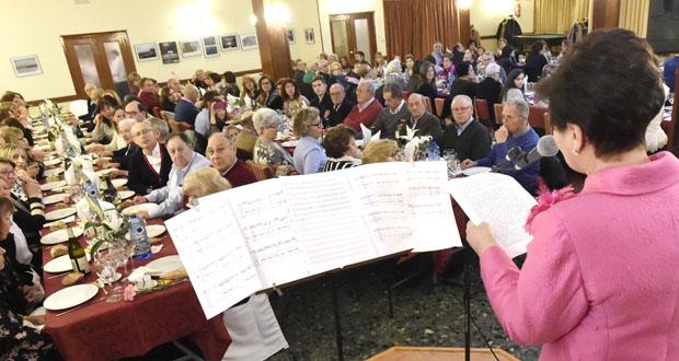 Photo of 120 persoas asisten á cea benéfica da Asociación Española Contra o Cancro en Valdeorras
