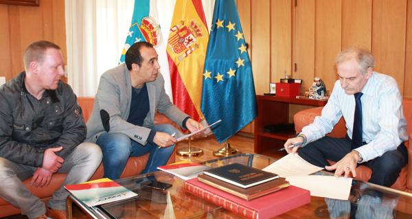 Photo of Reunión do subdelegado do goberno con membros da Asociación Unión de Guardias Civiles de Ourense
