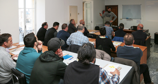 Photo of Curso sobre produción apícola sostible en Viana do Bolo