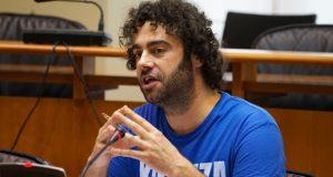 Sae adiante no Parlamento galego a proposta de Davide Rodríguez para que os escolares reciban clases de concienciación contra os lumes