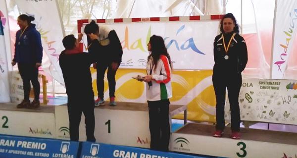 Photo of Mónica Piñeiro logra o único podio ourensán no campionato de España máster de piragüismo