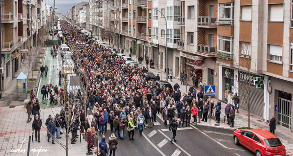 Photo of Milleiros de persoas saen á rúa en Verín en defensa da sanidade pública