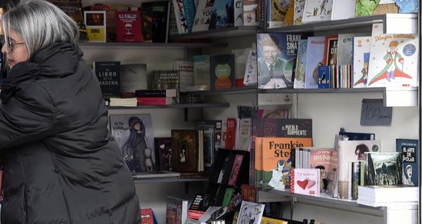 Photo of Ourense celebra o Día do Libro na rúa, con descontos do 10% nas compras
