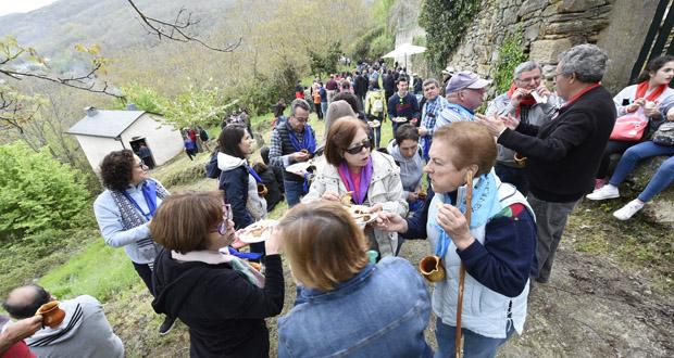 Photo of Unhas 550 persoas percorren Celavente (O Bolo) de forno en forno