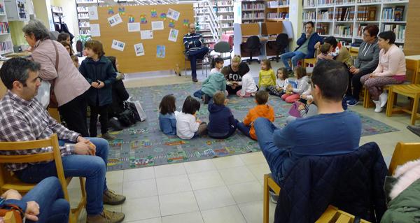 Photo of Entre contos, na Biblioteca do Barco