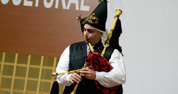 Photo of Diego Prieto, de Castro Caldelas, entre os 4 gaiteiros galegos seleccionados para competir no Festival de Lorient