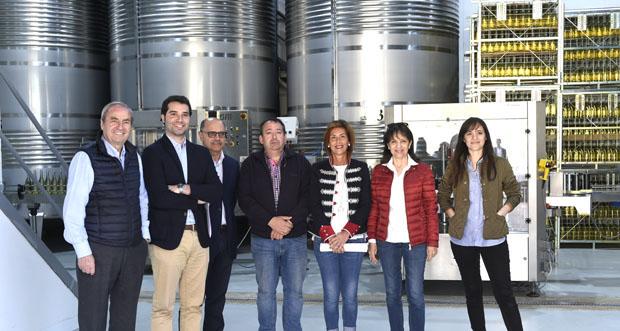 Photo of A delegada provincial da Xunta visita a adega Luar do Sil en Seadur (Larouco)