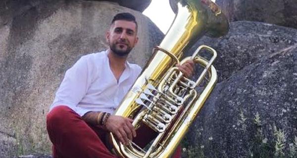Photo of O director da Banda de Música de Sober, na Orquestra Teatro Regio de Turín
