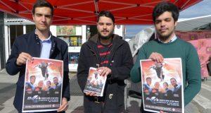 """A campaña """"#ValdeorrasExiste"""" das Xuventudes Socialistas, na feira de Viloira"""