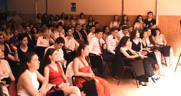 Photo of O IES Lauro Olmo do Barco despide aos alumnos de 2º de Bacharelato cun multitudinario acto