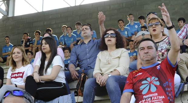 Photo of Gran ambiente no derbi Ourense CF-CD Barco disputado no campo de Oira