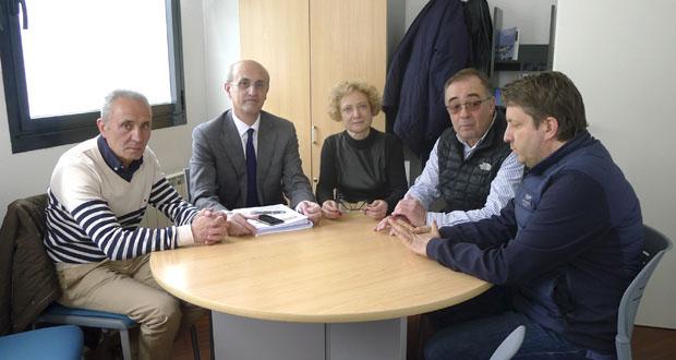 Photo of O deputado do PP Celso Delgado reúnese con AEVA para falar sobre infraestruturas