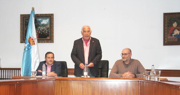 Photo of O avogado Nemesio Barxa doará a súa biblioteca persoal ao Concello de Viana do Bolo