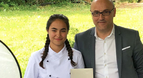 Photo of Sara González, alumna do Colexio Ferroviario, ganadora do concurso Children's Chef