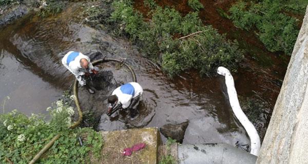 Photo of A CHMS investiga o verquido do Barbaña ao seu paso por San Cibrao das Viñas