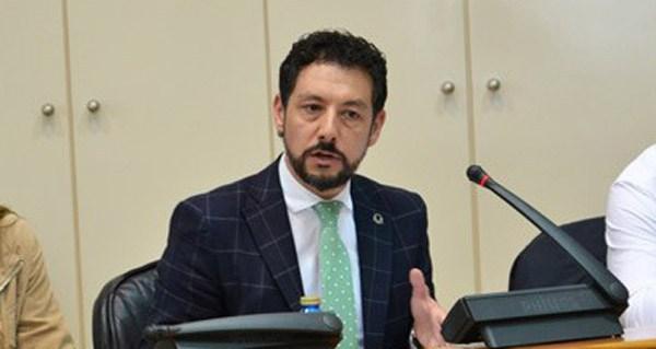 Photo of O deputado popular Moisés Blanco destaca no Parlamento a importancia da lousa en Valdeorras