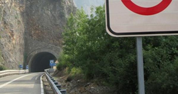 Photo of Cortes na estrada N-536, que une Valdeorras co Bierzo, no túnel de Penarrubia por obras