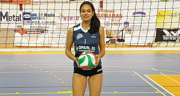 Photo of Carolina Camino (CV Ribeira Sacra) convocada coa selección galega de volei praia