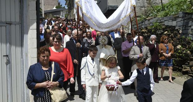 Photo of Casaio (Carballeda de Valdeorras) celebra o día grande das Festas do Corpus