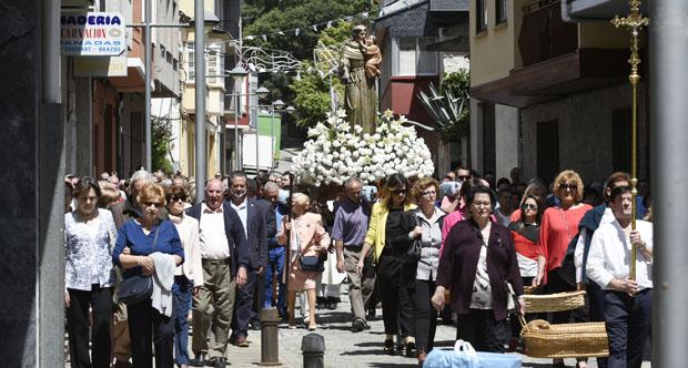 Photo of A tradicional procesión de San Antón abre cinco días de festas en Fontei (A Rúa)