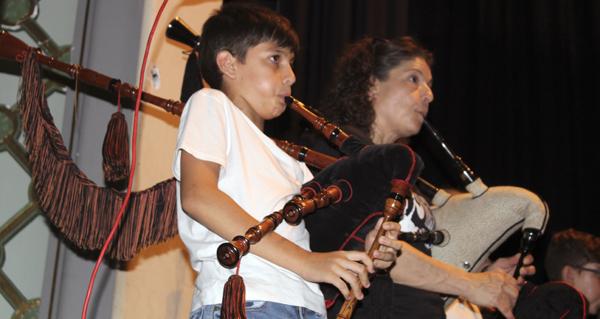 Photo of Abertal despide o curso cun festival musical e unha cea