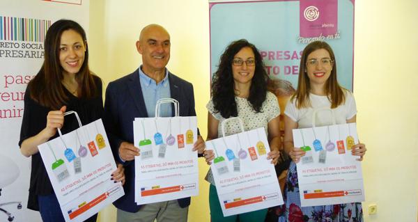"""Photo of O Barco CCA e Cruz Vermella Valdeorras lanzan a campaña """"As etiquetas, só para os produtos"""""""
