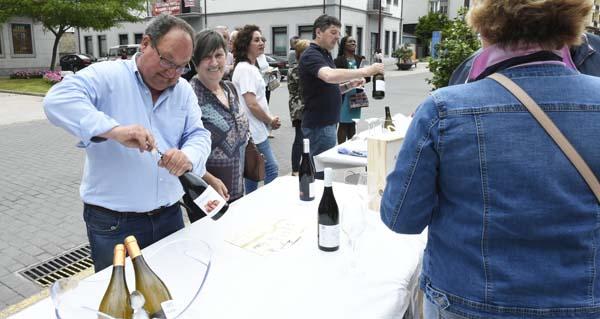 """Photo of As adegas saen á rúa na """"Festa de Portas Abertas"""" da Ruta do Viño de Valdeorras"""