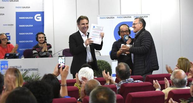 Photo of O alcalde do Barco dá a coñecer o proxecto do módulo cuberto de atletismo na gravación dun programa sobre o Adas na Radio Galega