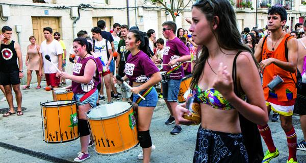 Photo of Auga, escuma e moita música na Batucada 2018 de Verín