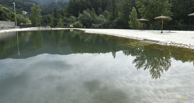 Photo of As novas piscinas de Carballeda de Valdeorras abren ao público
