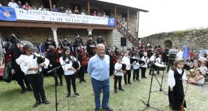Música tradicional galega e cetrería no II Festival no Castelo do Bolo